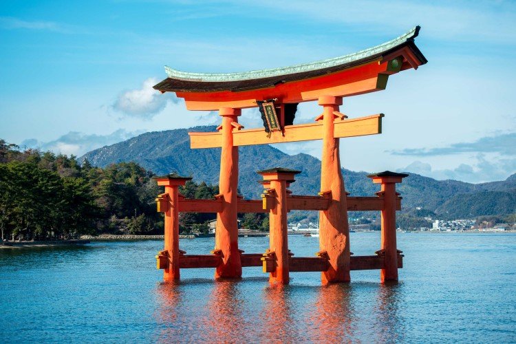 Itsukushima_Gate Japan